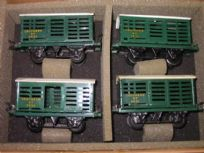 4 Hornby Milk Traffic Vans